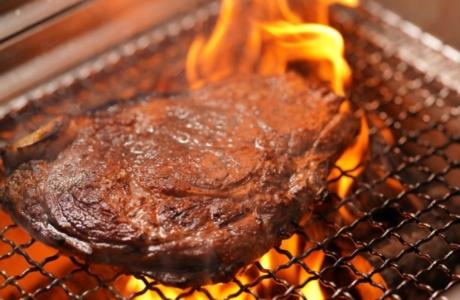 炭火焼きロースステーキランチ